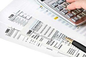 tax returns and calculator